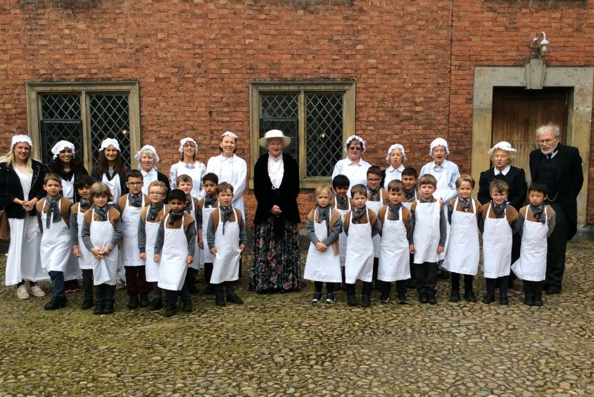 Year 1 visit to Dunham Massey Hall - 1E