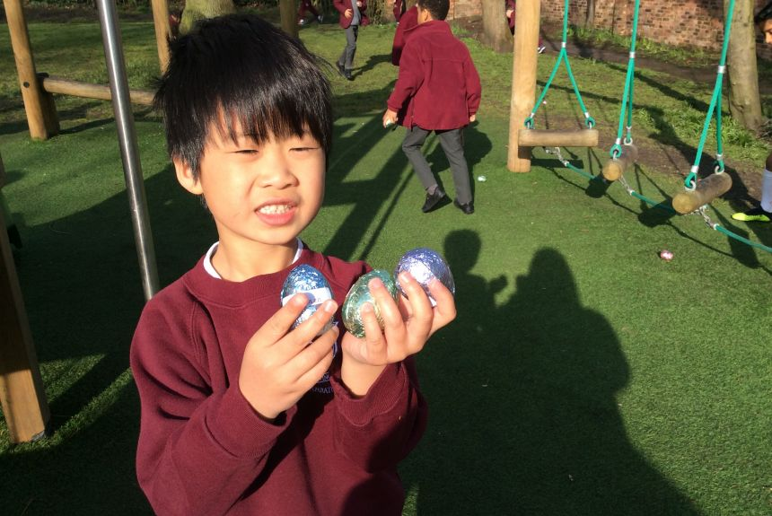 2BH hunt for their chocolate egg left by the Easter Bunny!