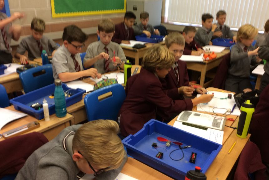 Y6 investigating electrical circuits